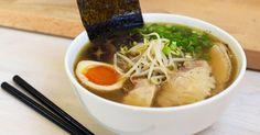 Shoyu Ramen - Sopa de fideos    - Ingredientes:  1 paquetes de fideoschuka  1 ajo fino cortado  1 cucharilla de jengibre fresco  1 cu...