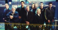 There's been a murder (TFSA, Top Five SériesAddict) - article photogeniques.fr [CSI, Paul Guilfoyle, Robert David Hall, Gary Dourdan, William L. Petersen, Jorja Fox, Marg Helgenberger, George Eads, Eric Szmanda]
