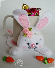 How To Make Your Own Beading Patterns Crafts To Make And Sell, Diy And Crafts, Crafts For Kids, Bunny Crafts, Easter Crafts, Felt Patterns, Beading Patterns, Felt Diy, Felt Crafts