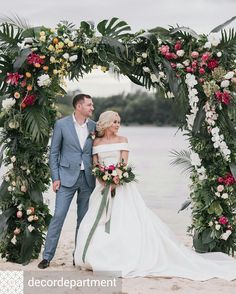 Energetic reputed beach wedding pictures Please see Cheap Beach Wedding, Beach Wedding Flowers, Rose Wedding Bouquet, Beach Wedding Photos, Wedding Pictures, Hawaii Wedding, Wedding Groom, Wedding Couples, Wedding Ceremony Arch