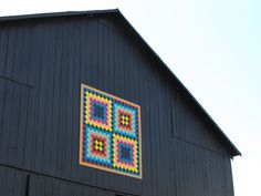 Barn Quilts and the American Quilt Trail: Kentucky Memories Barn Quilt Designs, Barn Quilt Patterns, Quilting Designs, Quilting Ideas, American Barn, American Quilt, Painted Barn Quilts, Barn Art, Horse Ranch