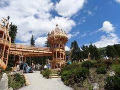 Fichtenschloss: neue Attraktion für Familien im Zillertal Cabin, House Styles, Mayrhofen, Road Trip Destinations, Pride, Cabins, Cottage, Wooden Houses