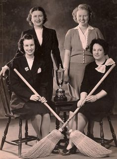Eaton's ladies curling champions, I find this amusing Vintage Pictures, Old Pictures, Curling Canada, Canadian People, Canadian History, O Canada, Outdoor Photography, New Kids, Archery