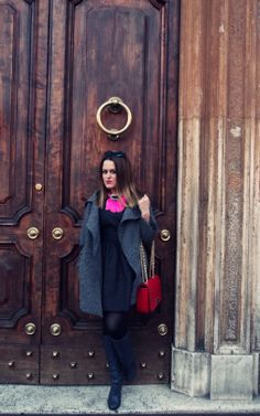 #Street style#Boots #Red bag# Little black dress