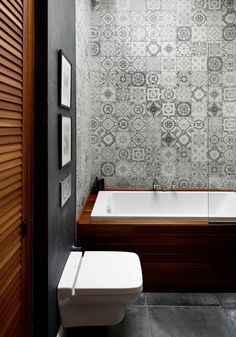 Browse the complete collection of pictures and design drawings Modern Bathroom Design, Bathroom Interior Design, Moroccan Tile Bathroom, Kitchen And Bath Showroom, Mobile Home Decorating, Bathroom Styling, Bathroom Furniture, Bathroom Inspiration, Small Bathroom