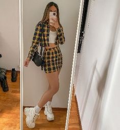 Teen Fashion Outfits, Retro Outfits, Girly Outfits, Cute Casual Outfits, Outfits For Teens, Stylish Outfits, Fashion Clothes, Fall Outfits, Vintage Outfits