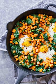10 Most Misleading Foods That We Imagined Were Being Nutritious! Skillet Sweet Potato and Kale Hash Perfect For A Healthy Breakfast, Lunch, Or Dinner. Gluten-Free, Vegetarian, And Under 30 Minutes Healthy Breakfast Recipes, Brunch Recipes, Healthy Snacks, Healthy Recipes, Healthy Breakfasts, Healthy Dinners, Fast Healthy Recipe, Eat Healthy, Pastas Recipes