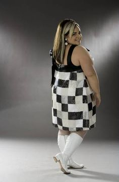 Nikki Blonsky as Tracy Turnblad shows us how to rock the 60's checkerboard style.