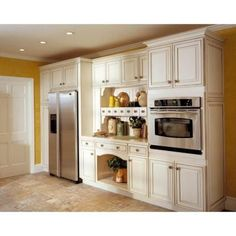 KraftMaid 15x15 in. Cabinet Door Sample in Castlewood Maple in Canvas with Cocoa…