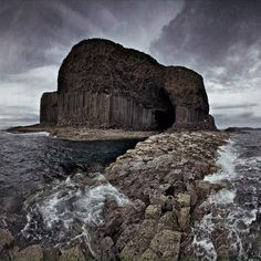 Fingals cave, isle of Staffa