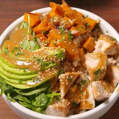 Bowls Buddha Bowls but need to reduce the fat and portions of this. but good starter recipeBuddha Bowls but need to reduce the fat and portions of this. but good starter recipe Sweet Potato Recipes Healthy, Healthy Recipes, Clean Eating, Healthy Eating, C'est Bon, Asian Recipes, The Best, Delish, Chicken Recipes