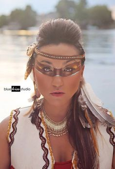935872_561702053889245_1870886545_n.jpg (612×900) Beautiful Native American Indian inspired makeup