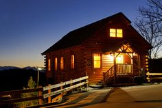 Villa Bellissimo - Exterior 1 #tennessee #cabin #cabinrental #vacation #mountains #smokymountain #pigeonforge #TN