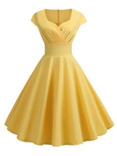 Sweetheart Neck Vintage Rockabilly Style Fit and Flare Dress Vestidos Vintage, Vintage Dresses, Vintage Clothing, 1950s Fashion Dresses, Rock Clothing, Fashion Vintage, Clothing Styles, Clothing Accessories, Vintage Outfits