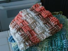 crochet pattern - basket weave washcloths ~ free pattern: wonder if I could do this blanket sized? All Free Crochet, Crochet Home, Crochet Crafts, Crochet Projects, Plaid Au Crochet, Knit Or Crochet, Knitting Patterns, Crochet Patterns, Stitch Patterns