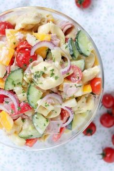 Hello everyone! ❤️ This is the tastiest pasta salad we know! This quick-cooked fresh salad brings ham, pineapple, onions, peppers and tomato in a slightly sweetened … Hallo Ihr Lieben ❤️ Dies ist der leckerste Pasta – Salat, den wir kennen! Pasta Recipes, Salad Recipes, Chicken Recipes, Dinner Recipes, Healthy Recipes, Pasta Salat, Cauliflower Recipes, Cauliflower Salad, Roasted Cauliflower