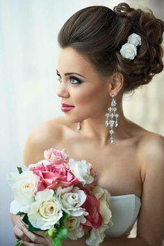 32 Prettiest Wedding Hairstyles - MODwedding Pretty wedding updo from Mod Wedding Best Wedding Hairstyles, 2015 Hairstyles, Bride Hairstyles, Mod Wedding, Wedding Updo, Wedding Day, Wedding 2015, Elegant Wedding, Trendy Wedding