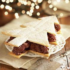Abeto de hojaldre y trufa: un postre muy navideño Christmas Time, Xmas, Cake Shop, Food Humor, Kids Meals, Sweet Recipes, Gingerbread, Bakery, Food And Drink