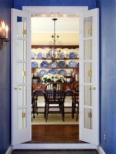 Tetbury traditional blue dining room
