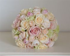 Wedding Flowers Blog: Kylie's April Wedding Flowers, Pale Pastels