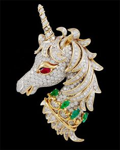 david webb jewelry - Diamond, emerald, and ruby unicorn pin David Webb, Unicorn Jewelry, Horse Jewelry, Animal Jewelry, Pegasus, Clean Gold Jewelry, Unicorn Hair, Animal Tattoos, Vintage Rhinestone