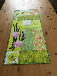 Lovely Floral Spring Table Runner