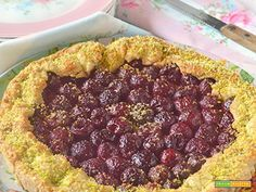 Gallette rustica di ciliegie e pistacchio  #ricette #food #recipes