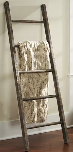 rustic wooden ladder http://rstyle.me/n/tzf9dr9te