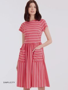 Misses' dress with waist gathers & raglan sleeve variations | Simplicity Patterns  #sewingpatterns #dresssewingpatterns #simplicitypatterns Simplicity Sewing Patterns, Dress Sewing Patterns, Diy Clothing, Sewing Clothes, Loungewear Outfits, Miss Dress, Bias Tape, Vogue Patterns, Dress Making