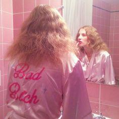 Petra Collins in bad bitch pink Kasimir Und Karoline, Corsets, Maquillaje Pin Up, Petra Collins, Amanda Seyfried, Sofia Coppola, Girl Gang, Soft Grunge, Pink Aesthetic