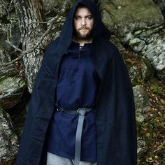 Repost fra @borgeerlend . Thank you so much for sharing this awesome picture wearing wool cloak, wool tunica, belt and wool trousers from Klesarven ⚔️⚔️⚔️ You look stunning and powerful!  Nytt tøy fra klesarven.no #viking #klesarven #agderviking #friluftsliv #vikingnorway #vikings #viking #vikingmen #norse #Norseman #norge #norweigan #wool #ull #ullbukse #ullgenser #ullkappe #vikingklær #reenactment #cloak #historical #norskviking