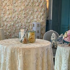 "BLUMENWAND FLOWERWALL on Instagram: ""Babyshower for @anjazeidler with our flowerwall Kim Luxury. - - #baby #babyparty #anjazeidler #gncluxuryinvitations #blumenwand…"" Baby Party, Table Linens, Floral Design, Stationery, Baby Shower, Luxury, Inspiration, Beautiful, Instagram"