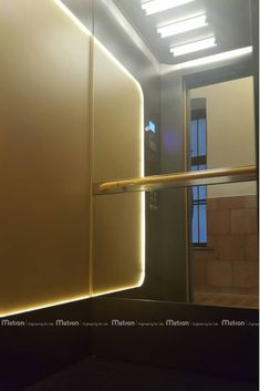 MOON Cabin by Metron MAIN COLOUR: Antracite - SECONDARY COLOUR: Ambre Gold  HANDRAIL: Orange - FLOOR: Super Black