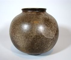 Bauhaus Keramik Vase signiert   German Globe Art Pottery ca 1920-1930