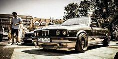Black e30
