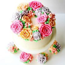 Learn how to create gorgeous buttercream flowers with us, and make this beautiful cake. We love making pretty floral cakes, and this is one of our perso… Buttercream Flowers Tutorial, Buttercream Flower Cake, Cake Icing, Eat Cake, Cupcake Cakes, Crusting Buttercream, Frosting, Cake Decorating Techniques, Cake Decorating Tutorials