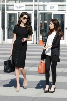 Amal Clooney Channels Jackie Kennedy Onassis in Business-Chic LBD Business Fashion, Lawyer Fashion, Business Chic, Office Fashion, Work Fashion, Business Attire, Business Formal, Fall Fashion, Stylish Office Wear