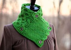 Love this cowl! Ellis Cowl Knitting Pattern by Carina Spencer