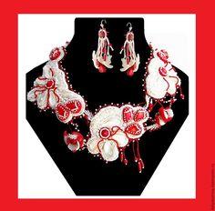 """Купить Ажурный комплект из бисера с кораллами """"Белые орхидеи"""". - колье из бисера, бисер и натуральные камни"""