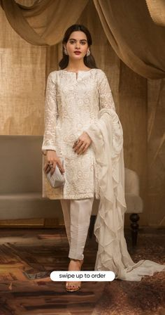 Trendy Dresses, Simple Dresses, Stylish Outfits, Nice Dresses, Simple Pakistani Dresses, Pakistani Dress Design, Pakistani Fashion Party Wear, Pakistani Outfits, Frock Fashion