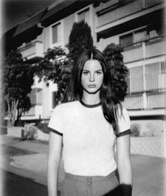 Lana del Rey Vintage babe Black and white Portrait Lanna Del Rey, Elizabeth Woolridge Grant, Elizabeth Grant, Ldr, Hairstyles For School, Vintage Hairstyles, Black People, Fashion Stylist, Girl Crushes