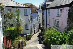A typical Fowey alley Cornwall, Cottage, Traditional, Places, Cottages, Cabin, Lugares, Cabins