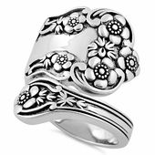 Silver Jewelry for Sale. Dreamland Jewelry offers Sterling Silver Jewelry at up to Off. Buy Sterling Silver Rings, Chains, Bracelets, Necklaces & more. Wedding Ring Sets Unique, Ruby Wedding Rings, Sterling Silver Flowers, Sterling Silver Jewelry, Silver Rings Online, Dreamland Jewelry, Spoon Rings, Boho, Silver Necklaces