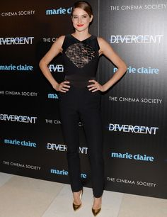 """Shailene Woodley in Elie Saab and Rupert Sanderson sandals at the """"Divergent"""" NY Premiere"""