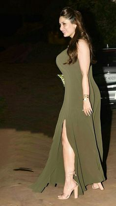 Bollywood Actress Hot, Indian Bollywood, Bollywood Celebrities, Bollywood Fashion, Most Beautiful Indian Actress, Beautiful Actresses, Karena Kapoor, Girl Fashion, Fashion Beauty