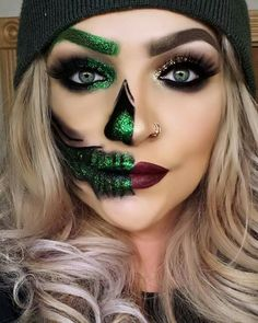 10 Spooky Makeup Looks for the Halloween Fanatic Amazing Halloween Makeup, Scary Halloween Costumes, Halloween Kostüm, Halloween Face Makeup, Witch Makeup, Scary Makeup, Skull Makeup, Skeleton Makeup, Sfx Makeup