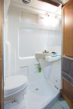 Roadtrek Motorhome, RV Camper Van, Class B Motor Homes/ great bathroom!