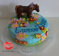 Horse and flowers cake