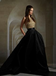 Romona Keveza - I would LOVE to wear this for perhaps a NYE gala...what an amazing gown for a concert!