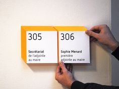Make signs look without actually being This is pretty cool for inside and out! Environmental Graphic Design, Environmental Graphics, Ada Signs, Navigation Design, Office Signage, Wayfinding Signs, Sign System, Signage Design, 3d Signage